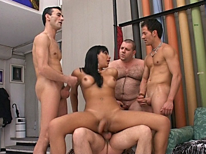 travesti gay outinpublic