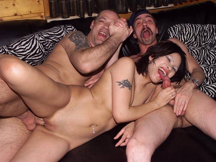 viel Sperma porno megasesso im gefängnis