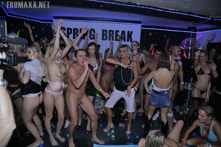 Spring break nasty naked sex masturbating